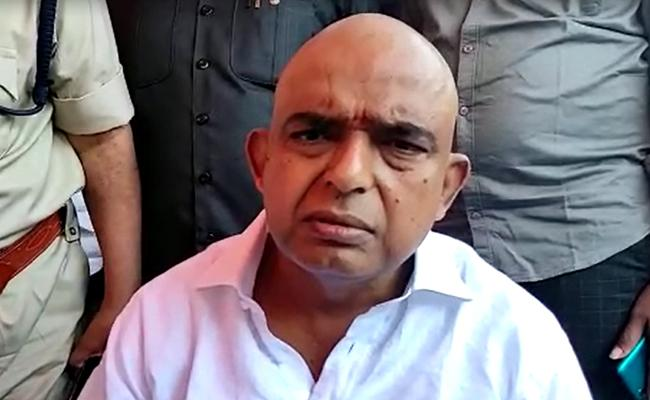 Unknown Person Attacks On Minister Perni Nani - Sakshi