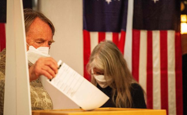 Polling Start In America President Election - Sakshi