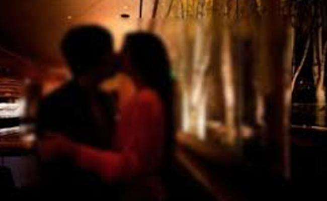 Husband Exposed Her Wife Illicit Affair - Sakshi