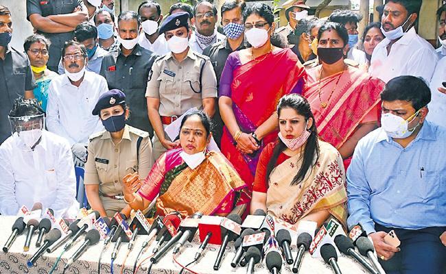 Mekathoti Sucharita Says That Strict action against criminals of Varalakshmi Case - Sakshi