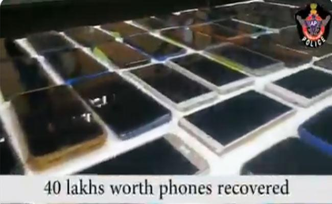 Chittoor Police Traced Returned 277 Mobile Phones To The Phone Owners - Sakshi