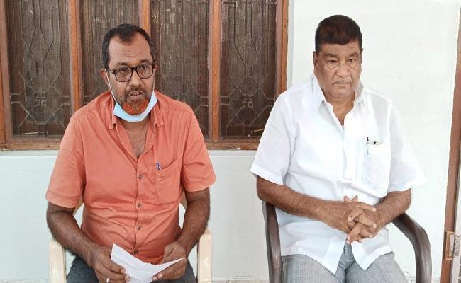 YSRCP Leaders Fires On Kandikunta Venkataprasad At Kadiri - Sakshi