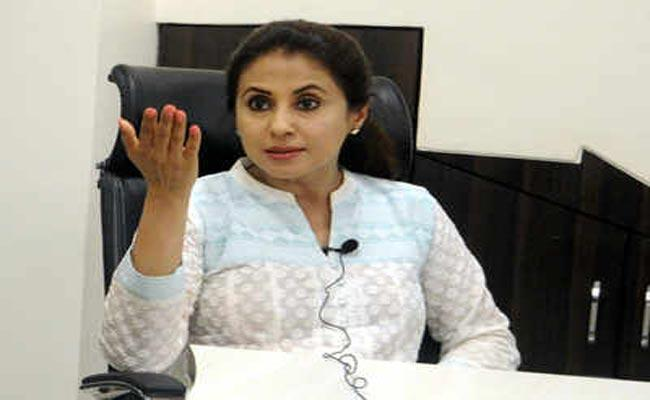 Urmila Matondkar To Join Shiv Sena On Tuesday - Sakshi
