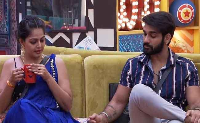 Bigg Boss 4 Telugu: Netizens Think Akhil Copying Abhijeet In Monal Issue - Sakshi