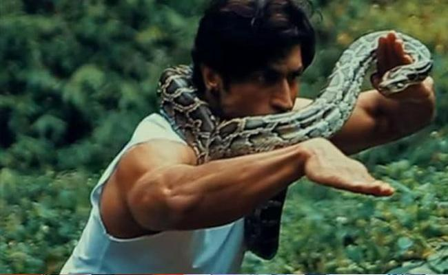 Vidyut Jammwal Made Followers Shock With His Video - Sakshi