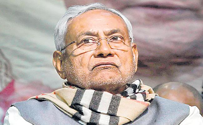 Bihar chief minister Nitish Kumar hints at political retirement - Sakshi
