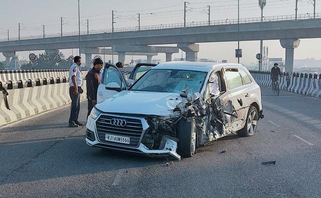 Audi Car Hits Man Bounces To House Rooftop Lost Life In Jaipur - Sakshi