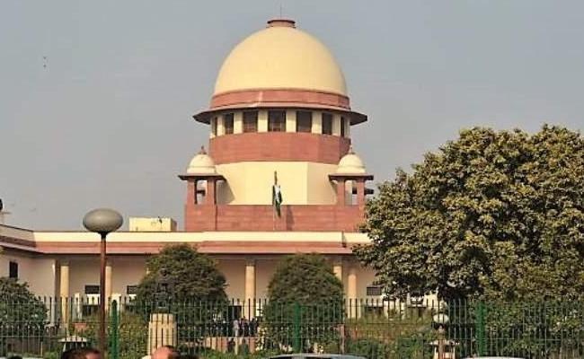Supreme Court Give Notice To TDP Leaders Over Amaravati Land Scam - Sakshi