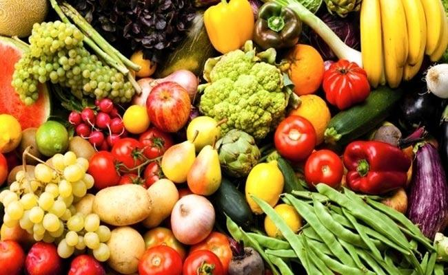 Hyderabad: Vegetables Price Hike Due To Rains In Last Month - Sakshi