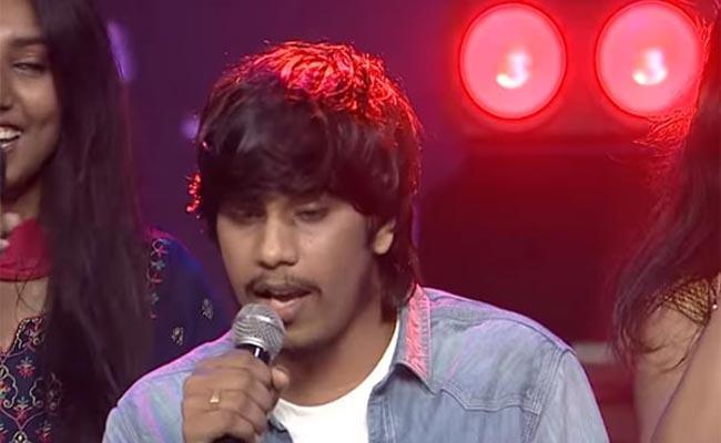 Singer Yasaswi And His New Song Teammates Interview - Sakshi