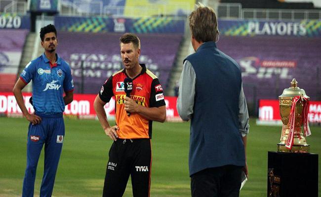 IPL 2020 Eliminator: David Warner Express Proud Over Teammates - Sakshi