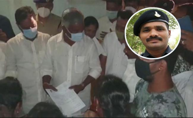 CM YS Jagan Announces RS 50 Lakh For Jawan Praveen Kumar Reddy Family - Sakshi