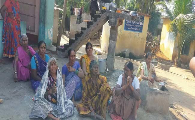Fishermen Misguided To Enter The Bangladesh Sea Border In Vizianagaram - Sakshi