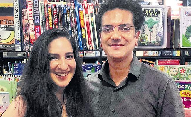 A Bookseller  In Gurgaon Runs A Large Bookstore called Cool School - Sakshi