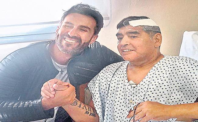 Diego Maradona personal doctor investigated for involuntary manslaughter - Sakshi
