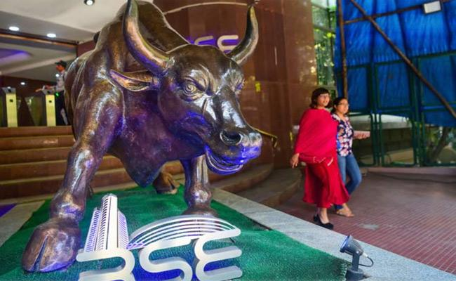 GDP josh- Sensex jumps 500 points - Sakshi