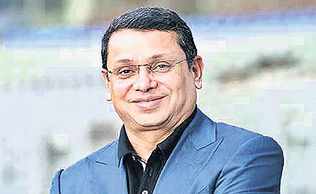 Uday Shankar takes over as FICCI President   - Sakshi