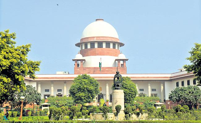 Supreme Court plans to form committee of farmers - Sakshi