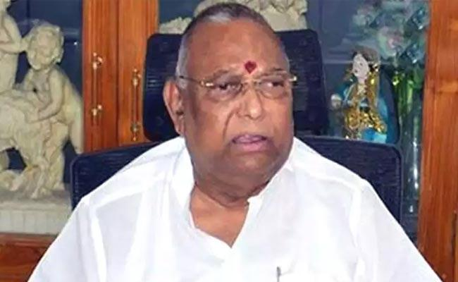 CBI Raids On Ex MP Rayapati Sambasiva Rao House - Sakshi