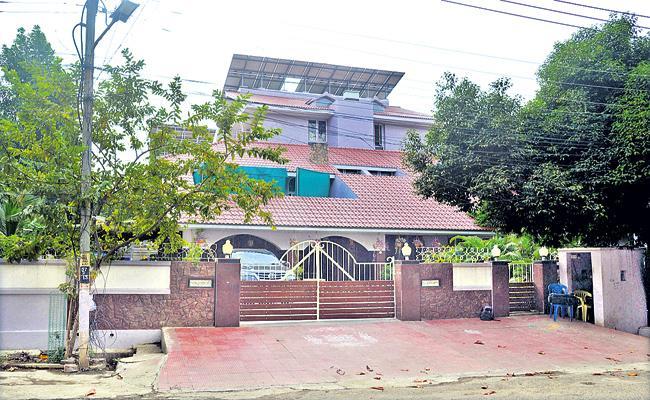 CBI Raids On Rayapati Sambasiva Rao - Sakshi