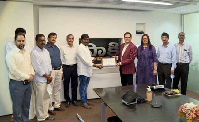 Sakshi Celebration Offer: Srinivas Reddy Wins Half KG Gold Price