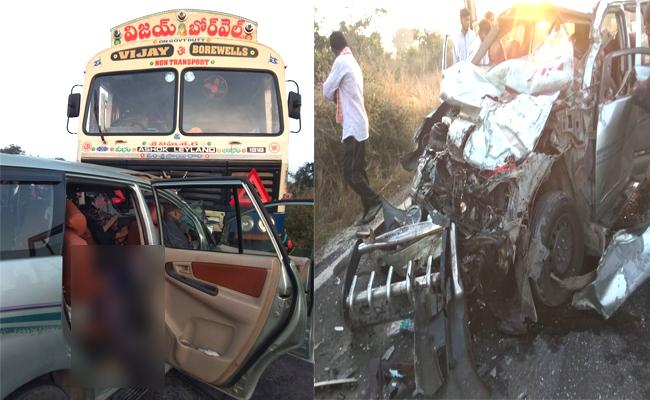 Six Deceased In Road Accident At Chevella Rangareddy - Sakshi