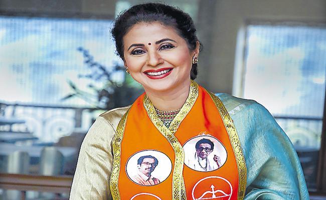 Actor Urmila Matondkar Joins In Shiv Sena Party - Sakshi