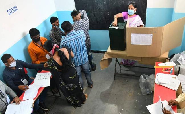 GHMC Election 2020: Election Commission Annouce FInal Voting Percentage - Sakshi