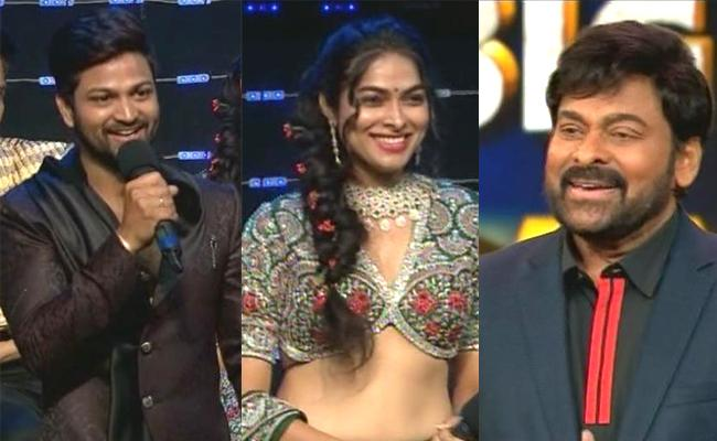Bigg Boss 4 Telugu Chiranjeevi Bumper Offer To Sohel And Divi - Sakshi