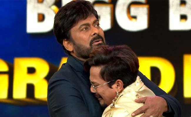 Bigg Boss 4 Telugu: Chiranjeevi Special Gifts To Sohel, Sohel, Divi - Sakshi