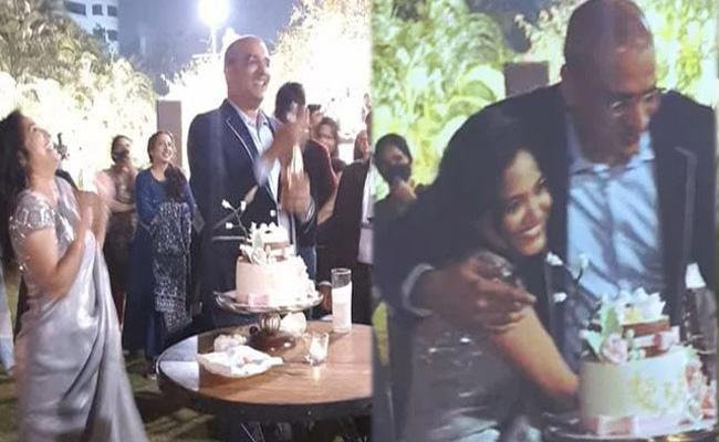 Singer Sunitha Pre Wedding Party At Hyderabad Star Hotel - Sakshi