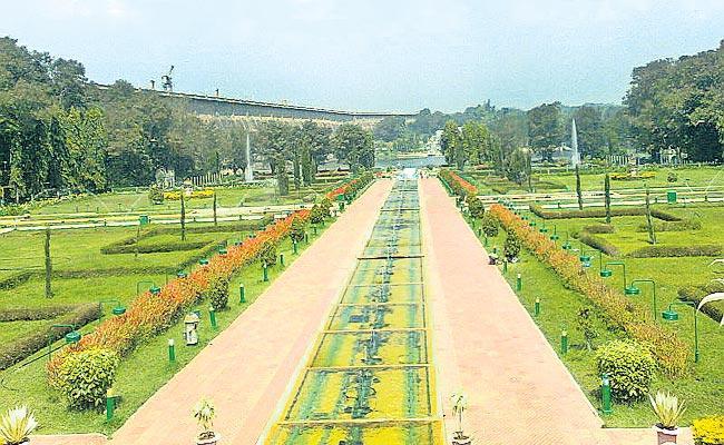 Kaleshwaram Project Is Going To Make Tourist Area - Sakshi