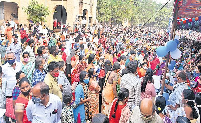 House site pattas distribution Second Day In Andhra Pradesh - Sakshi