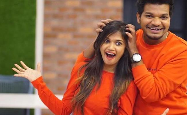 Bigg Boss 4 Telugu: Ariyana Glory and Avinash to host TV shows - Sakshi