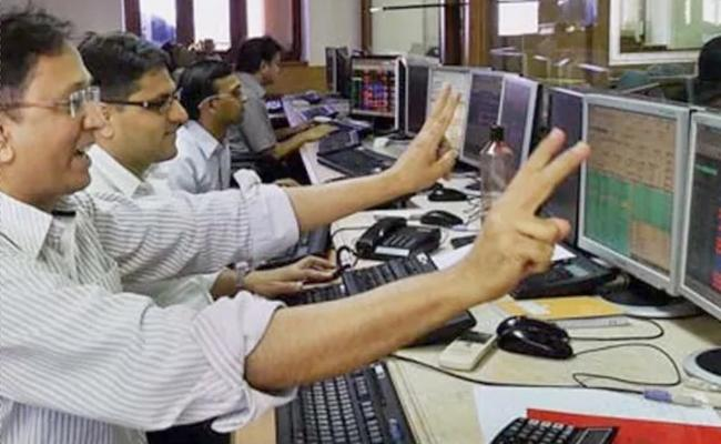 Market hits new records in 13 sessions in December - Sakshi