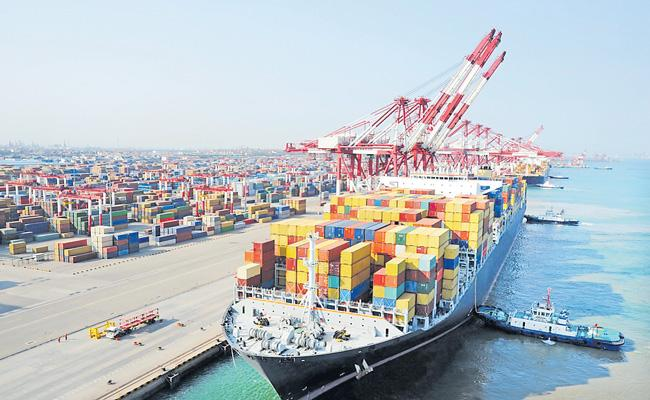 India exports decline 18per cent in April-November period this fiscal - Sakshi