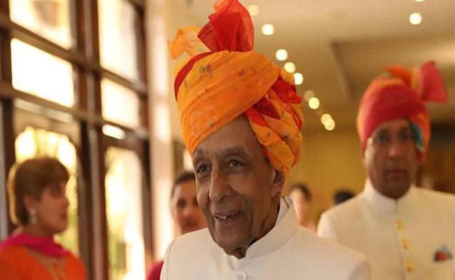 Former Jaipur Maharaja passes away due to Covid-19 - Sakshi