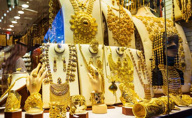 Gold, Silver prices gains 3rd day in MCX and New York Comex - Sakshi