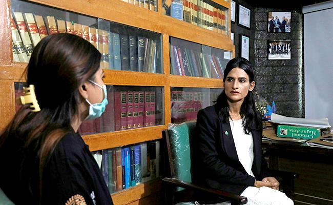Nisha Rao Recorded As  First Transgender Lawyer In Pakistan - Sakshi