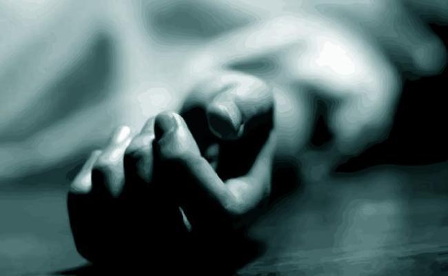 Married Women Suicide With Extramarital Affair In Tirupati - Sakshi