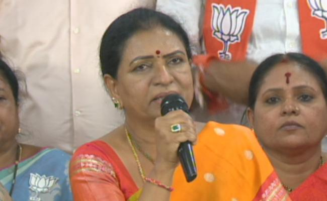 GHMC Elections 2020 DK Aruna Comments On TRS - Sakshi