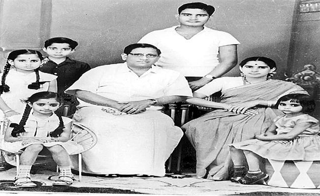 Ghantasala Elder Daughter shares Her Memories With Sakshi