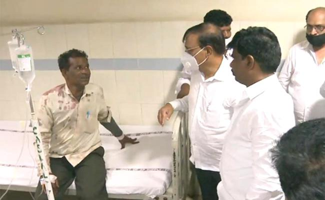 A Farmer Died  In A  Road Accident At Dasaripalem, Guntur  - Sakshi