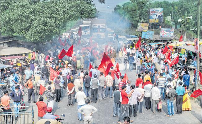 Farmer leaders call for Bharat Bandh on 8 Dec - Sakshi