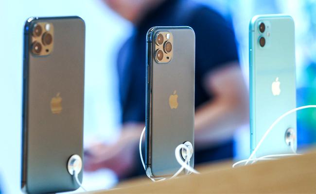 Apple to replace iphone 11 model screens for free - Sakshi