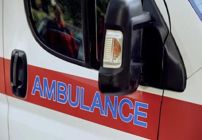 Using Fake COVID Report Abducts Man in Ambulance in Bengaluru - Sakshi
