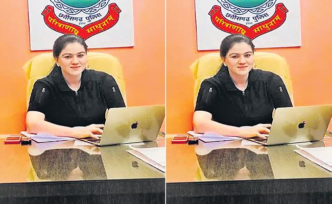 IPS Ankita Sharma is helping a student studying in UPSC - Sakshi