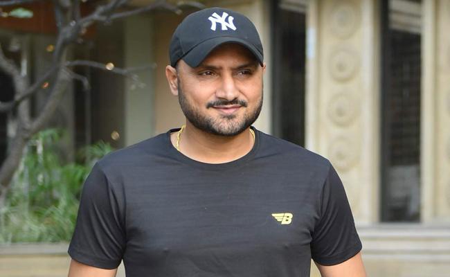 Harbhajan Singh Says Natarajan May Bags Man Of The Series T20Is - Sakshi