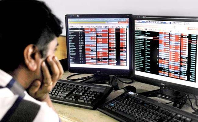 Market hits new highs in opening trade - Sakshi