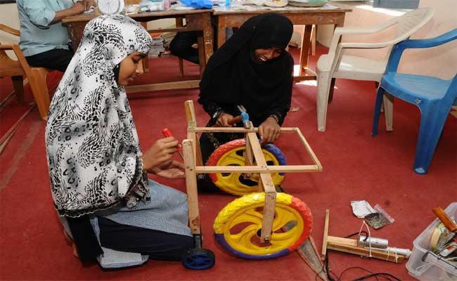 Nalgonda Govt School Students Making Hydraulic Lifting Wheelchair - Sakshi